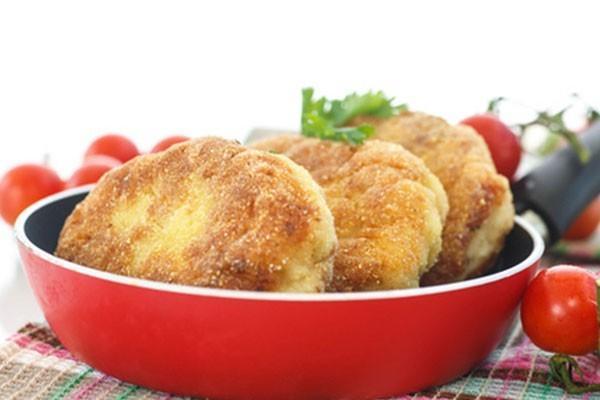 Котлеты из консервированного тунца с картофелем